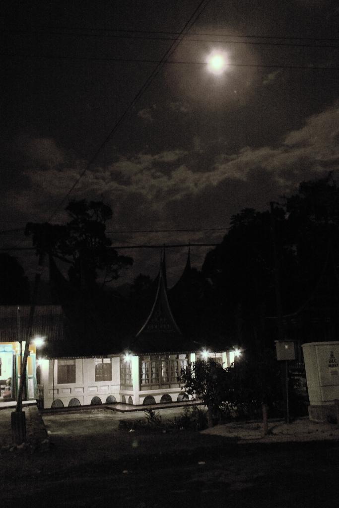 bulan&rumah